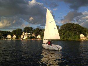 adult-sailing